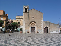 Taormina - Sicilia - Italia (Been Around) Tags: italy italian europa europe italia travellers eu ita sicily taormina sicilia piazzaduomo sizilien concordians worldtrekker visipix bauimage