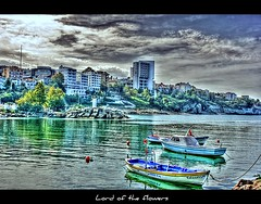 Gizem (LORD OF THE FLOWERS) Tags: sea cloud boat harbour hugs 1855mm hdr xxxx akakoca dzce canonrebelxti 100commentgroup saariysqualitypictures