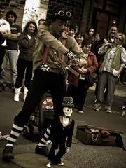 dancing skeleton (MiniWoman MiniMe) Tags: street people skeleton strada dancing danza clown persone streetartist scheletro artistadistrada