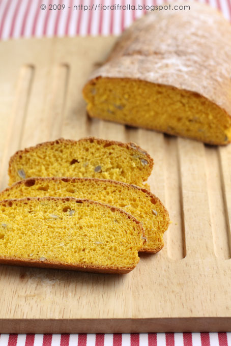 Pane alla zucca con i suoi semi