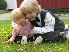 Lucas och Amlie (Xena in Skelleftea) Tags: skolavslutning schoolisout
