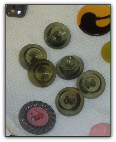 vintage buttons gray-green