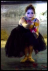 Sognare il successo (... & gerry) Tags: canon eos ballerina musica villa ballo artista spettacolo deste notturno 450d