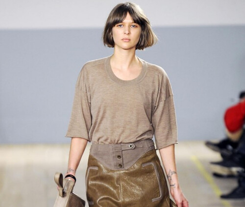 Reed Krakoff 2010 - model short hair cut