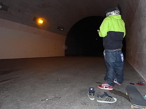 某トンネルにて