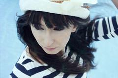 (Eva Maria Glez) Tags: agua piscina modelo sombrero