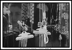 Allah and the Child - Allah et l'enfant -    (Rachid Naim) Tags: ocean sea mer beach collier necklace sand child god pierre sable bijoux atlantic morocco cap maroc safi jewels mur enfant plage allah rachid sidi   atlantique naim perls  perles  jilbab djellaba arfa  jellaba    asfi               mhamed beddouza       achgal mcobj