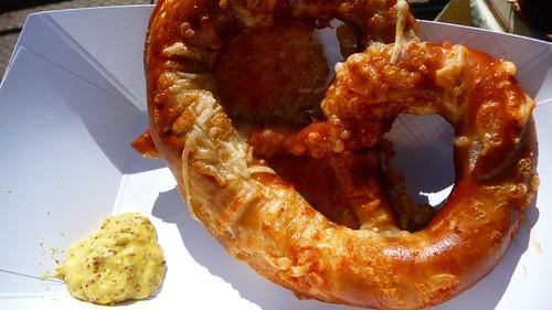 Gruyere-paprika pretzel