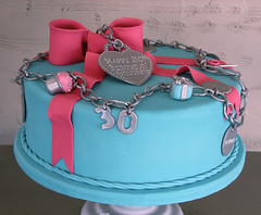 Tiffany Charm Bracelet Cake (Whipped Bakeshop) Tags: charmbracelet tiffanycake whippedbakeshop tiffanycharmcake bestofphilly2010 bca035 philadelphiacakescookiesandcupcakes