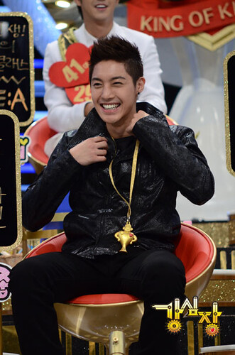 "Kim Hyun Joong Strong Heart ""Kang Shim Jang"" Korean Talk Show"