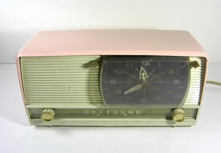 1957's Vintage Pink RCA Victor AM Clock radio