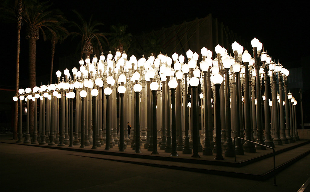 Chris Burden, Urban Light, night