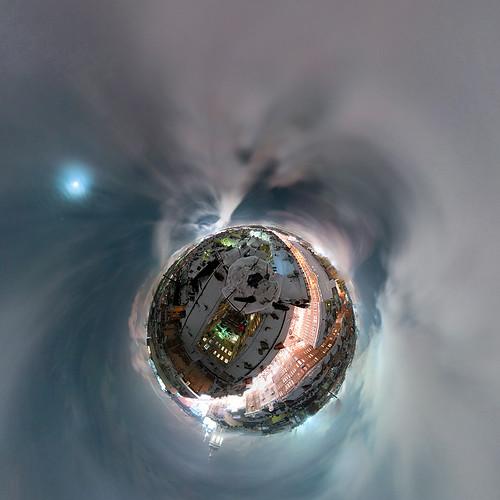 nichego_net_e_sq_03r_planet02m