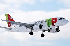 TAP Portugal Airbus 319 (CS-TTJ) Schiphol (PictureJohn64) Tags: travel snow portugal netherlands amsterdam plane airplane star flying airport wings nikon traffic aircraft aviation air transport flight sigma aeroplane landing transportation airbus arrival machines flughafen tap avio 70300mm flugzeug schiphol avin aeropuerto runway aereo spotting airliner avion aviao alliance aviones aerodrome reizen vliegveld eham taxiway a319 planespotting 319 aviacion d60 avies aeronautical spotter avioes aerodynamics eusebio aviacao flyet aalsmeerbaan csttj 150500mm lineaarea flyselskab picturejohn64