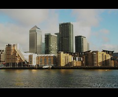 London UK (Wrenw17) Tags: london riverthames appartments canong10
