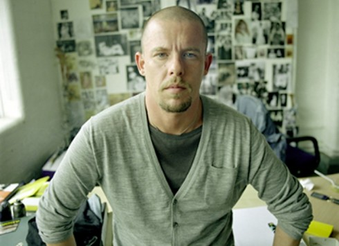 Alexander McQueen, Fashion Designer, Dies at 40