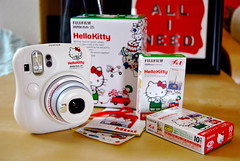 hello kitty instax mini (sevenworlds16) Tags: hello camera cute film japan fuji hellokitty kitty mini sanrio 25 kawaii instant instax whyareyousocute itevencame withastickersheet