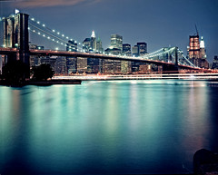 New York #05 prescan (Thomas Birke) Tags: new york nyc bridge light ny film skyline brooklyn night analog america us neon kodak united dumbo apo 8x10 300mm states p2 sinar schneiderkreuznach 160nc symmar
