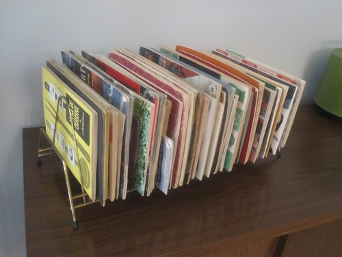vintage cook books in an 45rpm rack