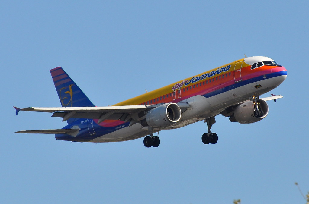 Air Jamaica - Airbus A320-200 - 6Y-JMI - John F. Kennedy International Airport (JFK) - October 30, 2009 183 RT CRP