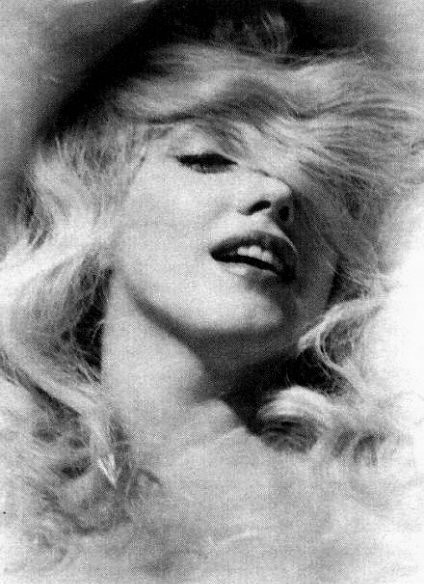 Marilyn Monroe very rare photograph by a.heart.17