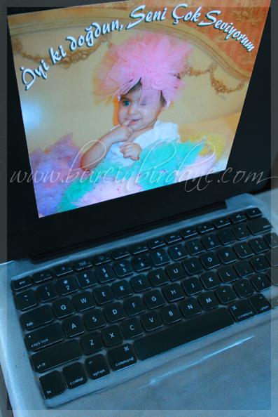 Laptop Cake 1
