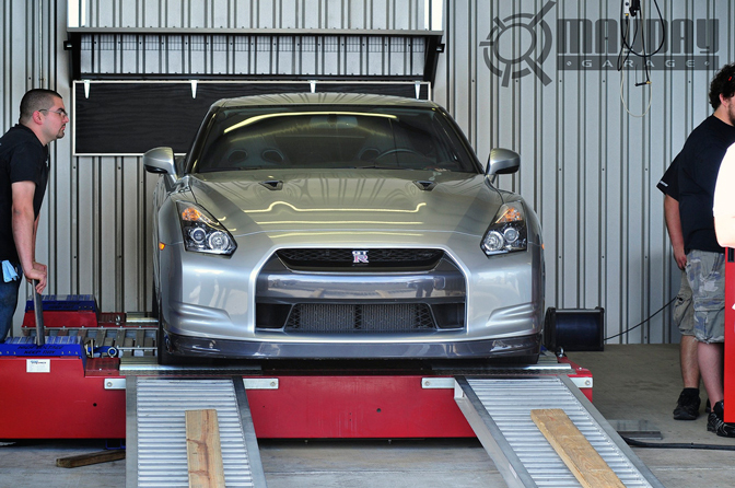 This beautiful GT-R looks right on the AWD Dyno
