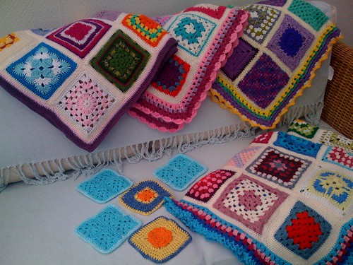 Bright and colourful squares from Gibraltar Louise! What fun! Thank you! Beautiful Squares!