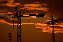 Santander industrial (Dancinginthehall) Tags: sunset paisaje nubes puestadesol avin santander gruas peacastillo