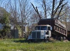 Road Boss (kbbrawley5) Tags: dumptruck white roadboss semi semitruck cummins caterpillar cat detroitdiesel abandoned nikon d3200 kurtbrawley mo missouri midwest usa unitedstatesofamerica