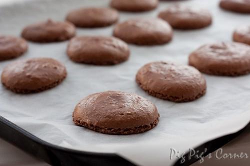 chocolate macaron 2
