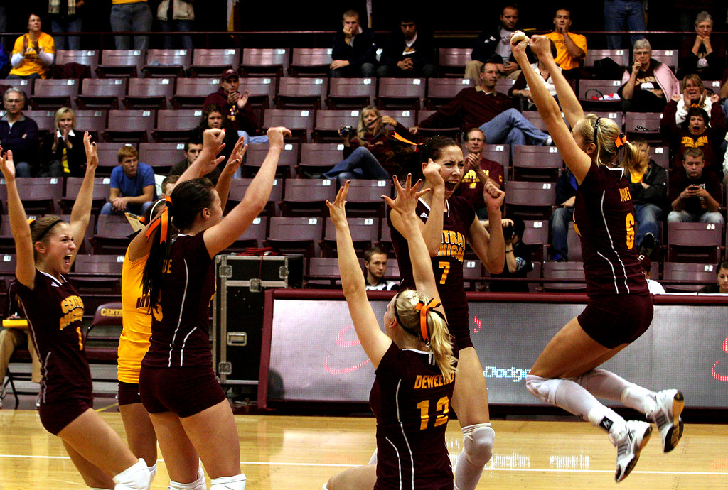CMU volleyball vs. Kent State 02