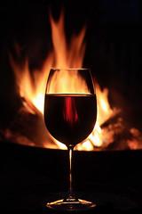 [フリー画像] [物/モノ] [食器] [グラス] [お酒/アルコール] [ワイン] [火/炎]     [フリー素材]