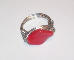 red wave ring (Simply Unique Kreation) Tags: women pretty handmade unique jewelry ring bead etsy wirewrapped