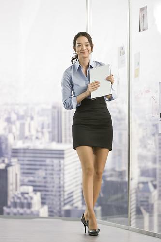フリー画像| 人物写真| 女性ポートレイト| アジア女性| OL/オフィスレディー| パソコン/PC| LG| 韓国人|    フリー素材|
