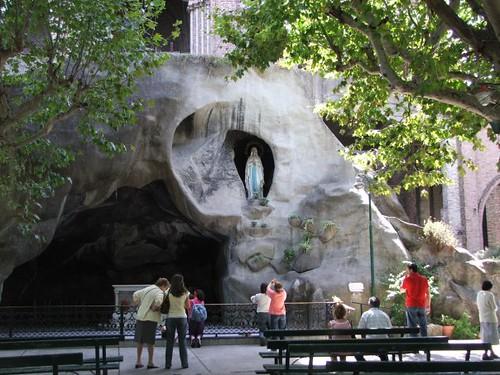 Santuario de Lourdes. Santos Lugares, Buenos Aires