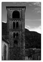 Torre de San Cristòfol (peruxu) Tags: españa byn geotagged spain eu girona catalunya peruxu 2009 cataluña diciembre gerona románico beget sancristòfoldebeget geo:lat=42321176 geo:lon=2479729