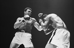 [フリー画像] 運動・スポーツ, 格闘技, 人物, 男性, ボクシング, パンチ, 201003201300