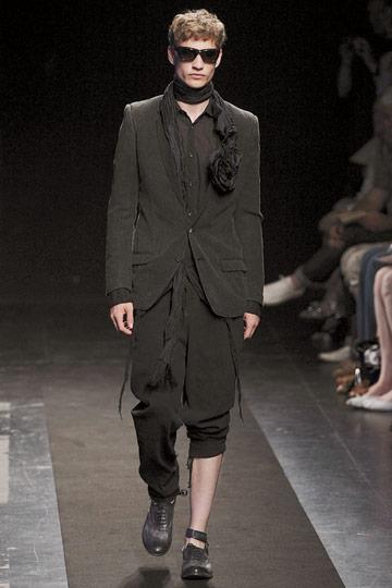 Johannes Linder3056_SS10_Paris_Miharayasuhiro(nymag.com)