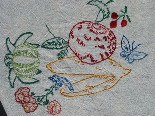 summer embroidery detail2