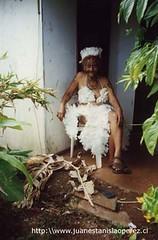 María Pakarati, núa que participa activamente en la Tapati Rapa Núi, miércoles 20 de febrero 2002.