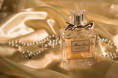 Perfume Publicidade - Miss Dior (yoshimi_su) Tags: christiandior d3200 inphotura missdior nikon paraíso perfume publicidade susanyoshimi sãopaulo unip vergueiro fotografia photograph sp
