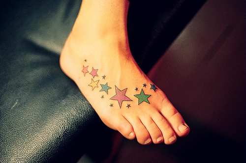 foto de tatuagem no pé