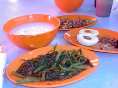 bubur sentosa no 1 (Pai Cheung Lang) Tags: time makan