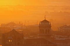 puesta de sol (www.mazintosh.es + 1.000.000 Views) Tags: sol contraluz de casa granada puesta naranja ocaso curso resplandor porras mazintosh