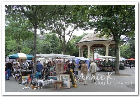 廣場跳蚤市場