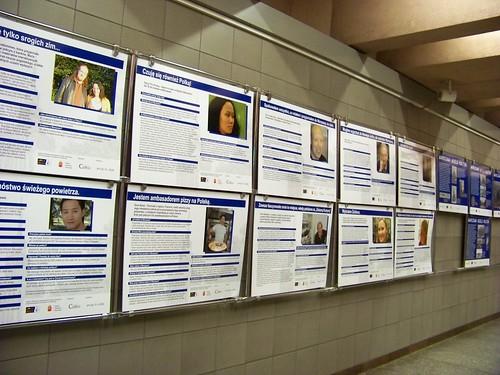 triển lãm về người nước ngoài và người Việt tại hai bến tàu điện ngầm cũng là sự kiện đáng ghi nhận