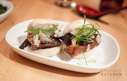 Man tou Pork belly buns