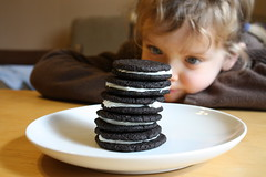 Cookie Anticipation (Josh Phillipson) Tags: lucy cookie anticipation homemadeoreos