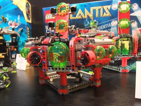 LEGO 8077 Atlantis Exploration HQ (2010)